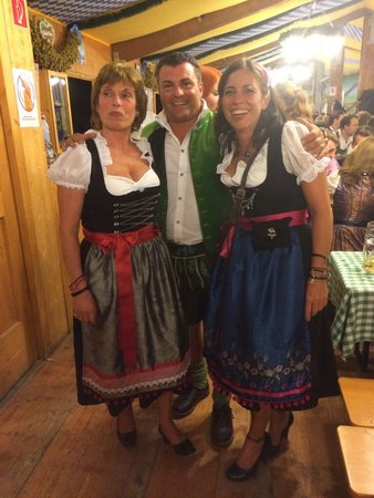 Moda Bavarica Outfits Wiesn 2014\\n\\n16.12.2014 09:18